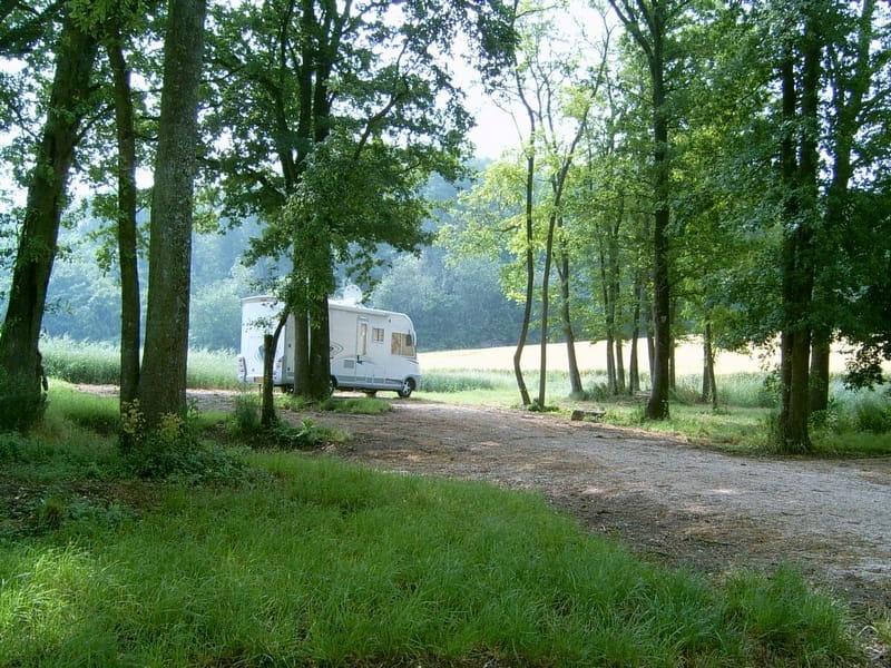 Aire de stationnement pour camping-cars - Domaine de la Grange
